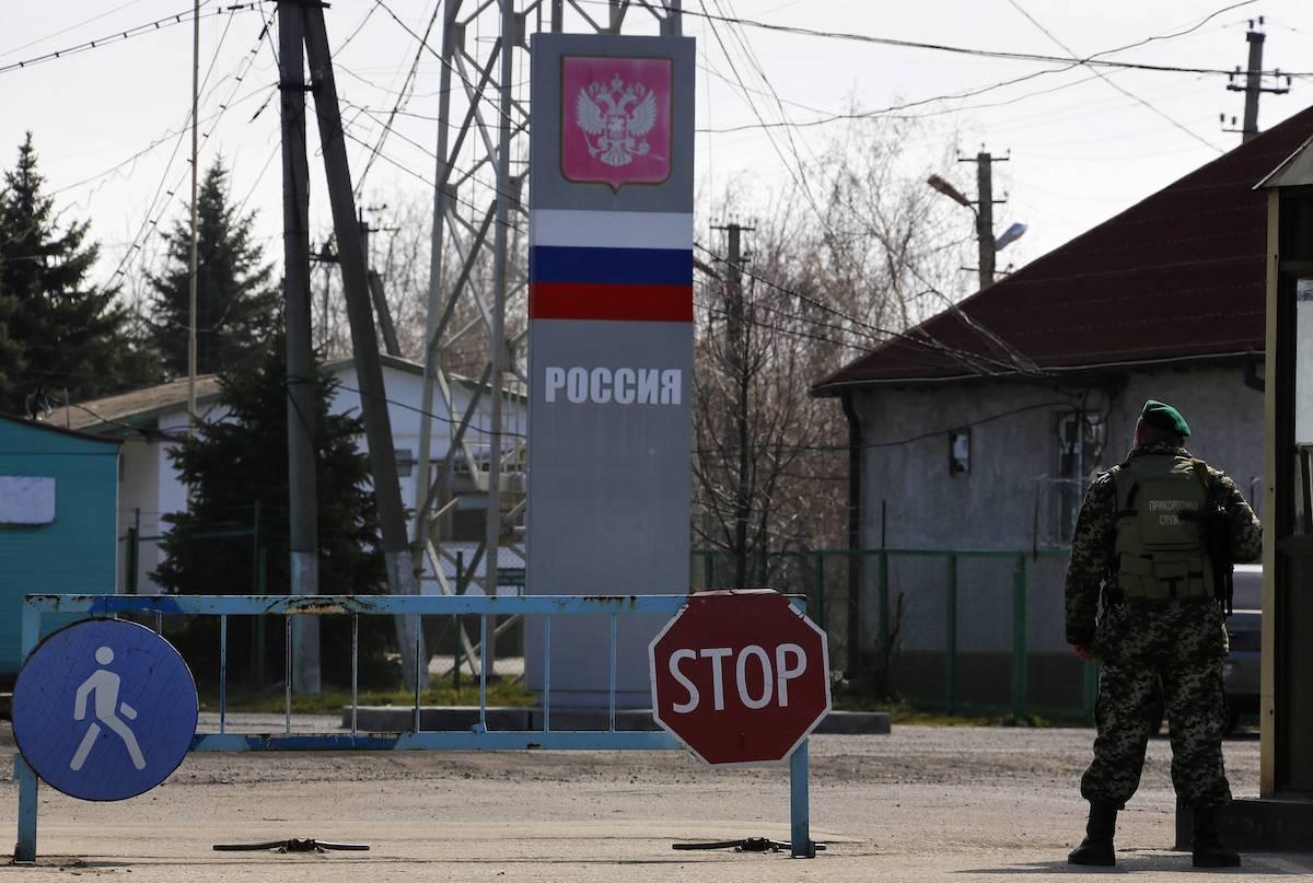 Миграционная карта для иностранцев въезжающих в Россию: как заполнять, что делать в случае потери